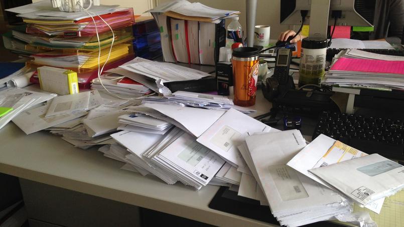Assez La clef de la productivité ? Avoir un bureau en désordre ! UK46