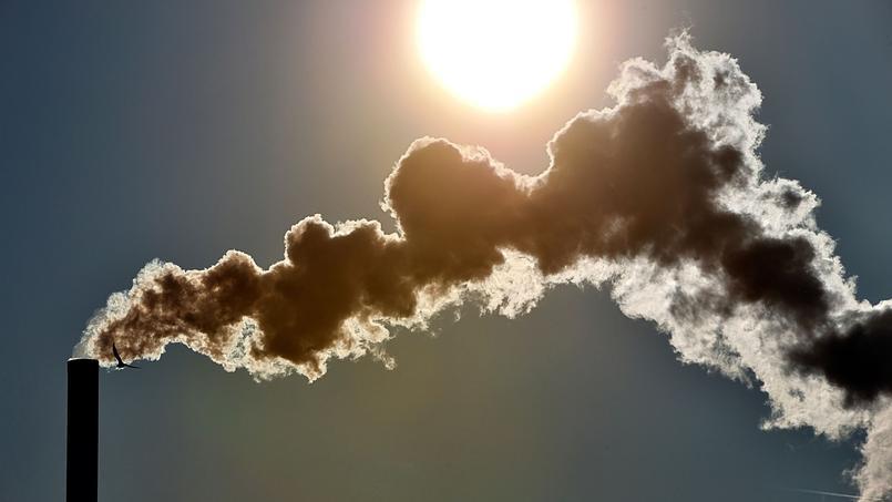 Banques : un discours écologique mais des investissements polluants