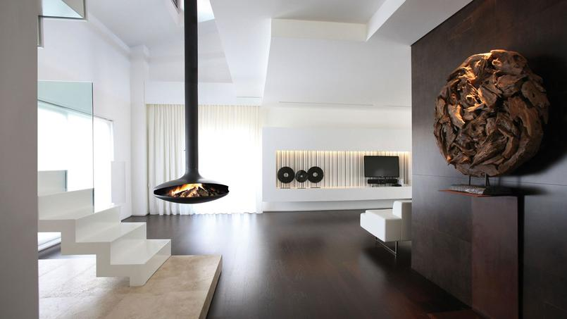 Premier foyer suspendu, la Gyrofocus du sculpteur Dominique Imbert a été récompensée en 2009, lors du concours Pulchra, en tant que plus «bel objet du monde».