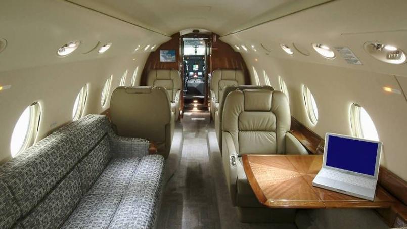 cristiano ronaldo s 39 offre un jet priv 19 millions d 39 euros. Black Bedroom Furniture Sets. Home Design Ideas