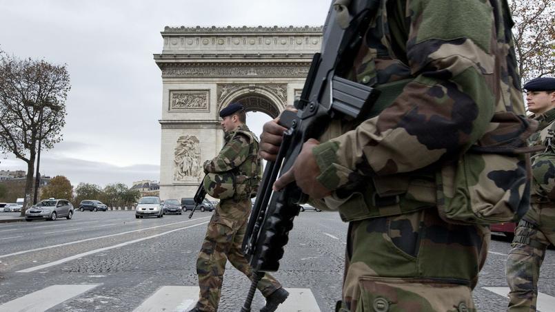 Patrouille à Paris, le 16 novembre.