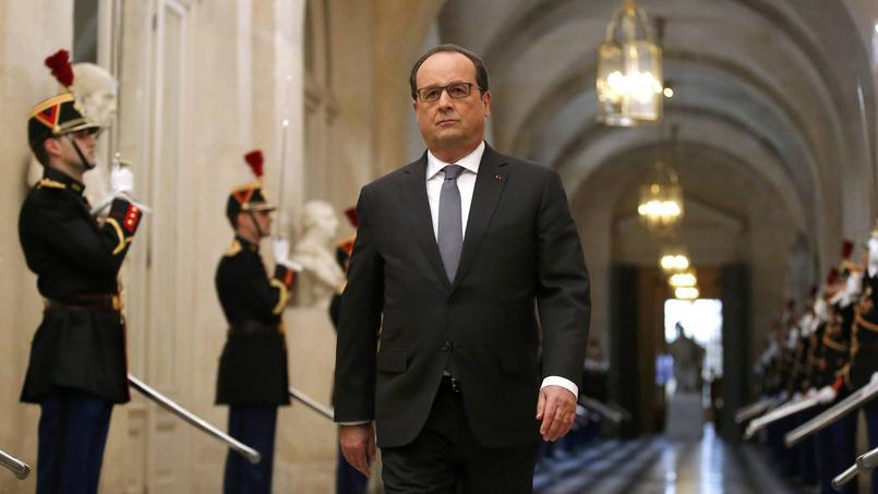François Hollande, lundi lors de son arrivée au château de Versailles pour s'adresser au Congrès.