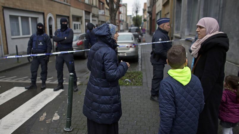 A Molenbeek, lundi 16 novembre 2015, trois jours après les attentats de Paris et de Saint-Denis.