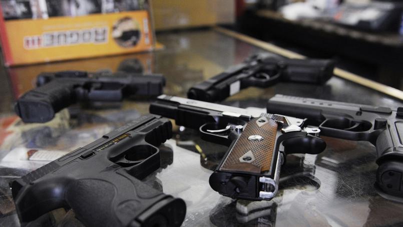 Hors forces de l'ordre, seuls les tireurs sportifs peuvent acheter des armes de poing.
