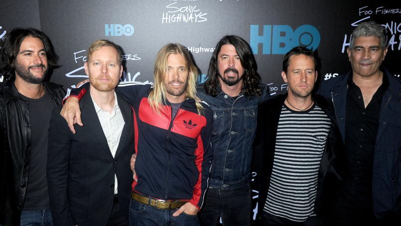 Le groupe de Rock Foo Fighters offre son nouvel album intitulé Saint Cécilia à ses fans, en téléchargement sur son site internet..