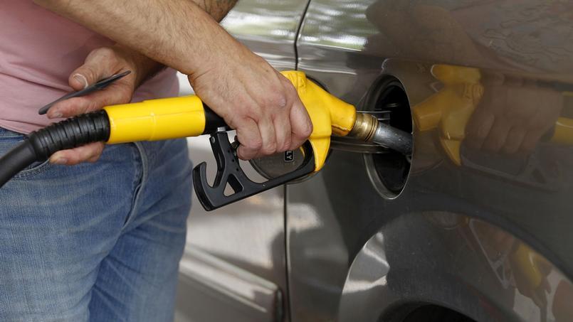 La hausse de la taxe carbone va notamment renchérir la taxation du gazole. Elle s'ajoutera à d'autres hausses sur ce carburant: cette année, mais aussi en 2016 et 2017.
