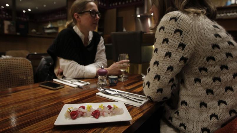 Le tartare de bar aux framboises et fleurs de citron de L'Amarré (XIe).