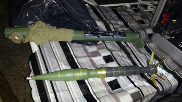 Des lance-roquettes trouvés lors d'une perquisition à Lyon, le 16 novembre.