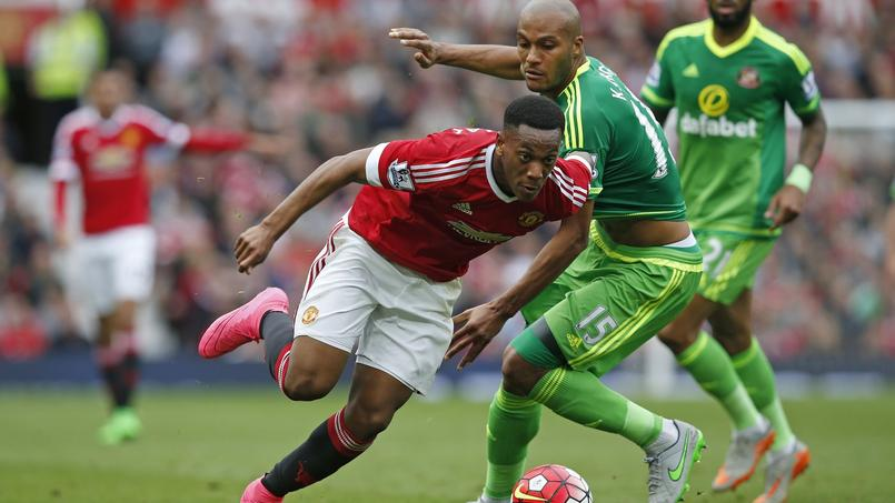 Anthony Martial et Manchester United au stade d'Old Trafford.