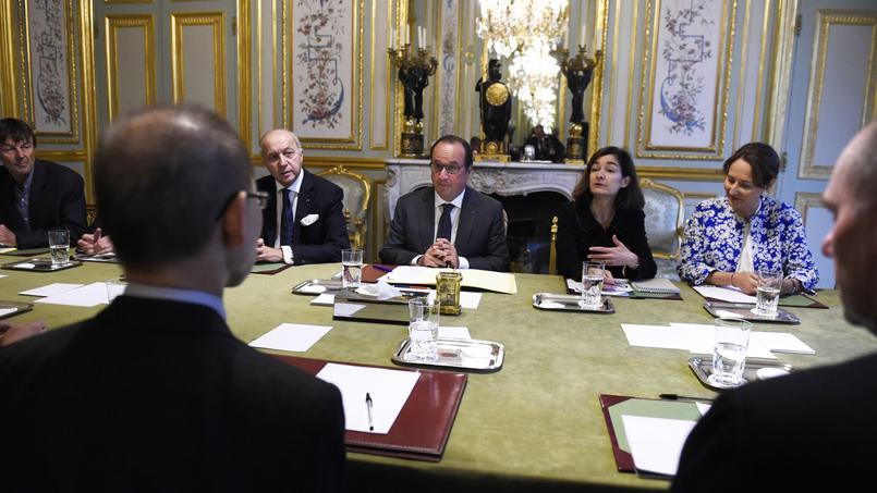 Le président du GIEC reçu à l'Elysée par François Hollande, en présence de Ségolène Royal, Laurent Fabius et Nicolas Hulot