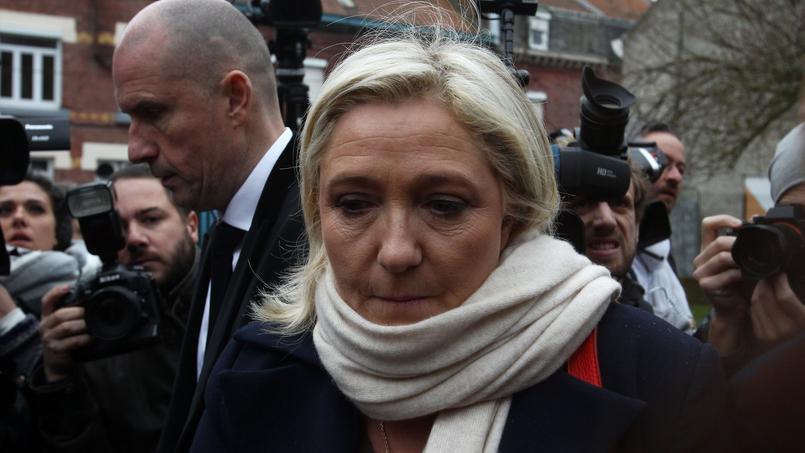 Au premier tour, la candidate FN a recueilli 40,64% des voix. Selon notre sondage, elle arriverait derrière Xavier Bertrand au deuxième tour avec 47% des suffrages.