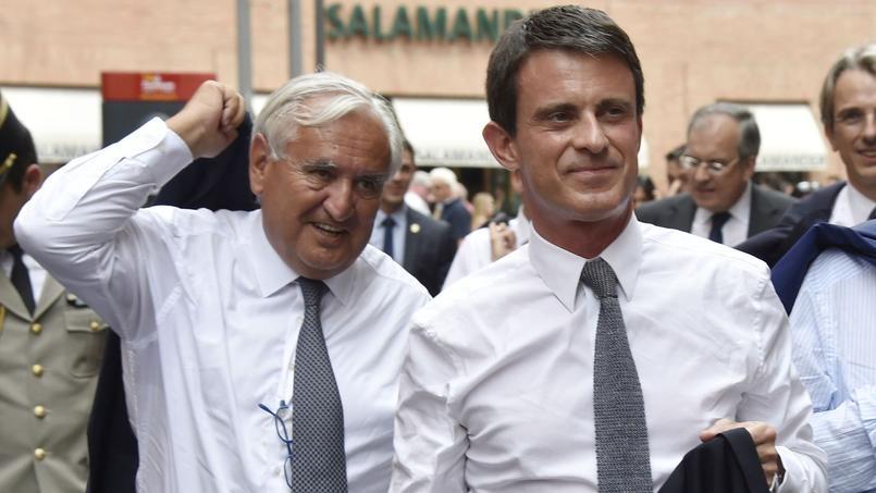 Jean-Pierre Raffarin, sénateur LR de la Vienne et le premier ministre Manuel Valls