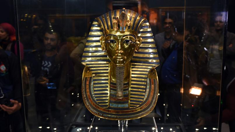 Le musée du Caire a annoncé la fin des travaux de restauration du masque funéraire de Toutankhamon, engagé depuis octobre.