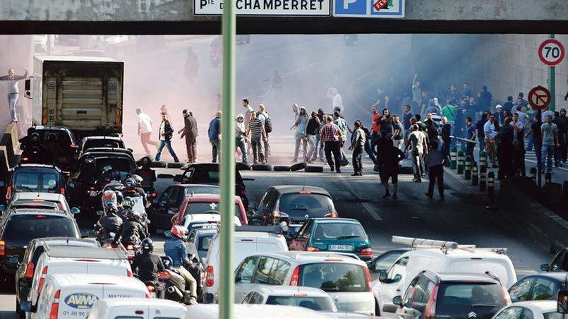 Scènes de violences dans Paris en juin dernier à l'occasion d'une manifestation des chauffeurs de taxis