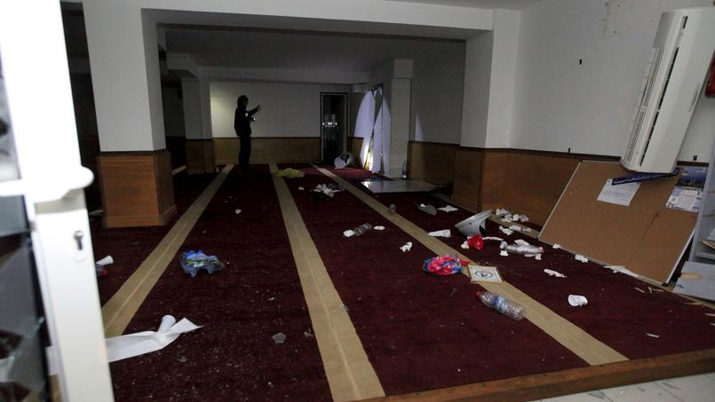 Une salle de prière musulmane a été saccagée par des manifestants, vendredi, à Ajaccio.