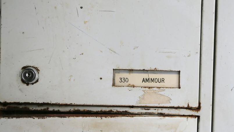La boîte aux lettres de la famille Amimour, à Drancy, où le terroriste a grandi.