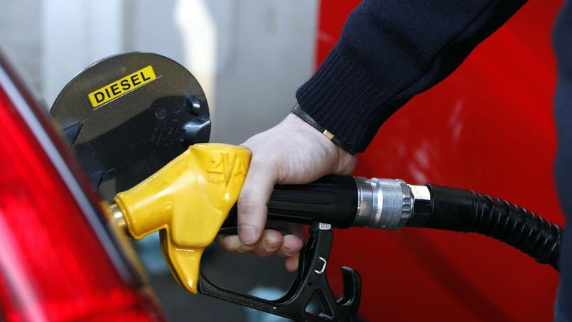 Le prix du litre de diesel augmentera d'un centime le 1er janvier. CREDIT PHOTO: Richard VIALERON / Le Figaro