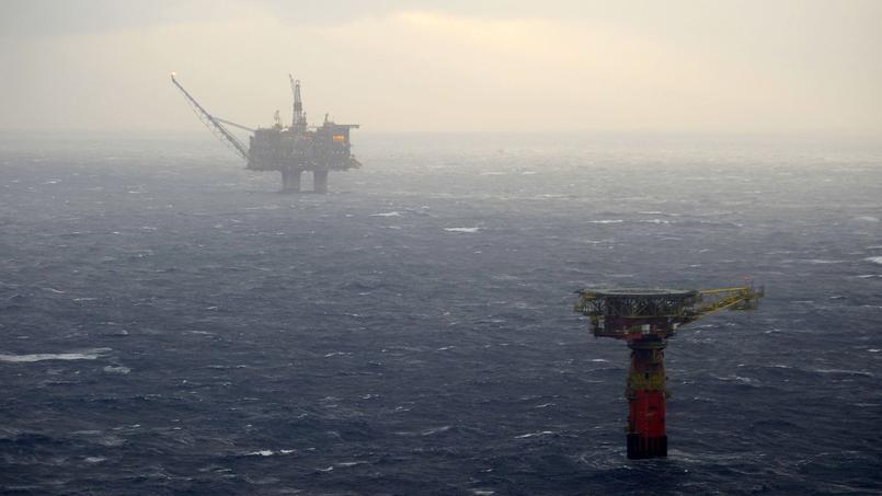 Photo d'archive d'une plateforme pétrolière en mer du Nord, où une tempête sévit et a mené à l'évacuation de plus de 300 employés.