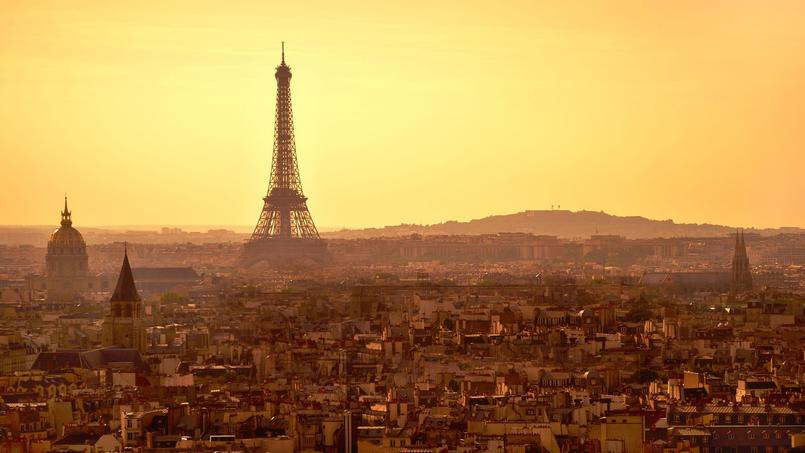 (Crédit: Moyan Brenn, Paris, sunset panorama from top of Notre Dame cathedral, via Flickr sous licence Creative commons)