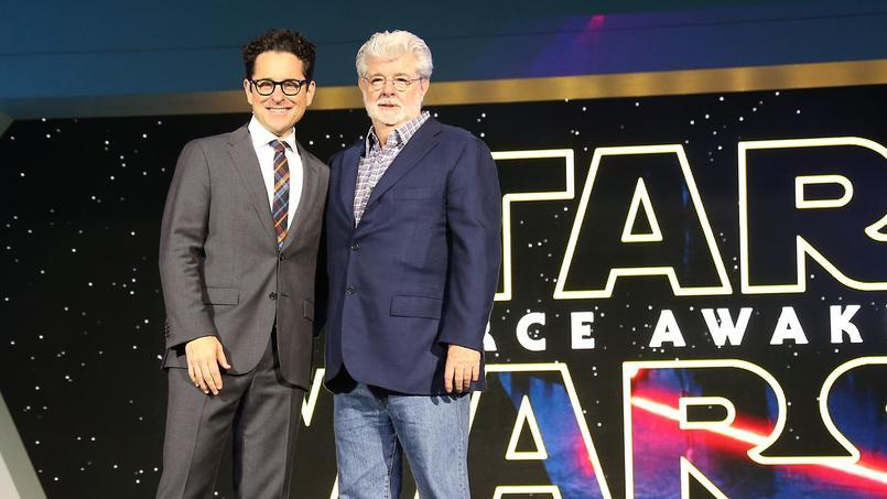 J. J. Abrams et George Lucas lors de la première du Réveil de la Force, le mois dernier.