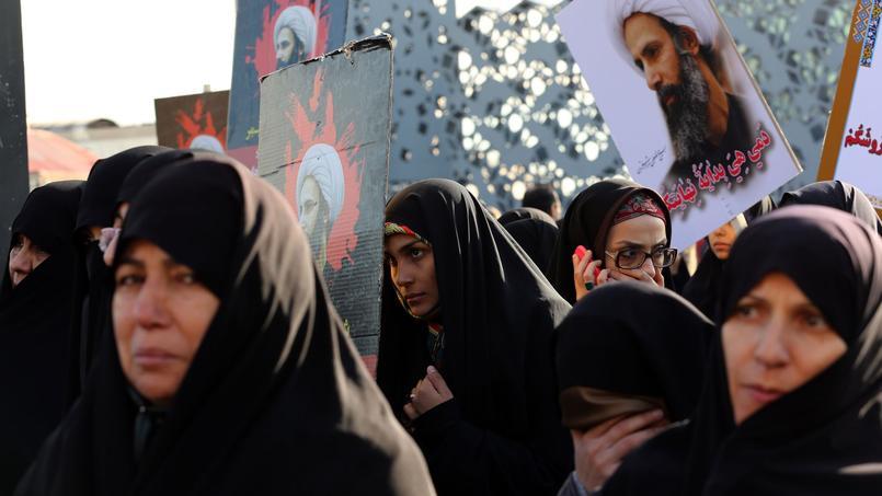 Des femmes iraniennes manifestent lundi 4 janvier à Téhéran, après l'exécution de l'opposant chiite Nimr Baqr al-Nimr par l'Arabie saoudite.