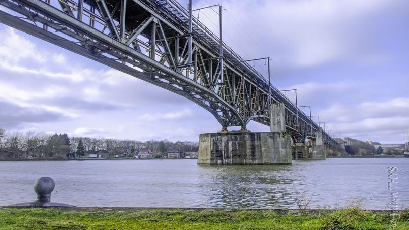 Pont dans la ville de Visé, @flickr sous licence creative commons