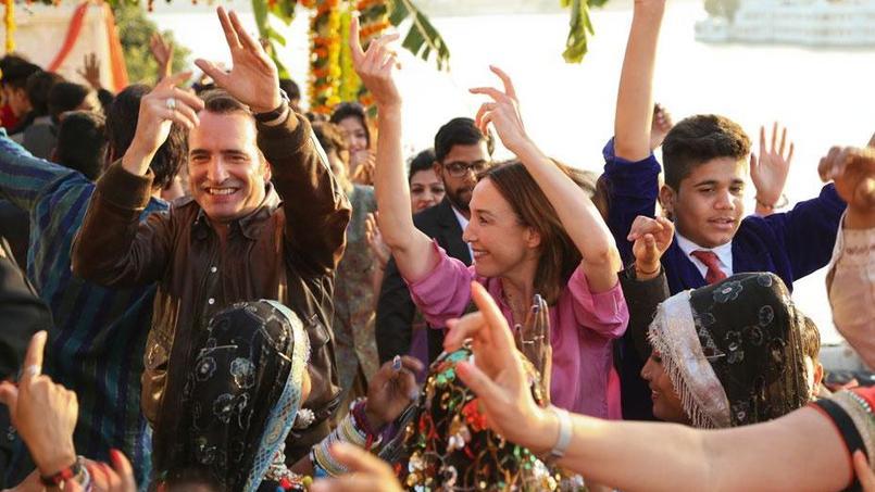 Cérémonie en Inde extraite du film Un + Une de Claude Lelouch, avec Jean Dujardin et Elsa Zylberstein.