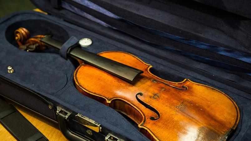 Environ 550 des instruments sur un total de 1.100 fabriqués par le célèbre luthier de Crémone (Italie) existent encore aujourd'hui.