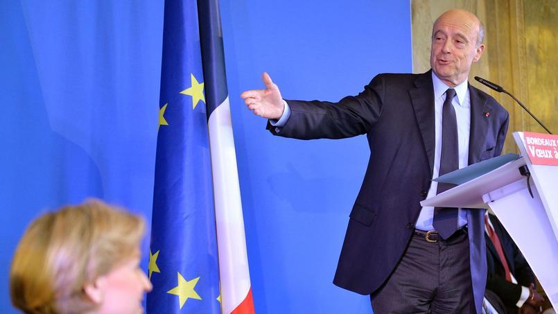 Le maire de Bordeaux réunit 38% des intentions de vote parmi les personnes qui se déclarent sûres d'aller voter au premier tour de la primaire de la droite.