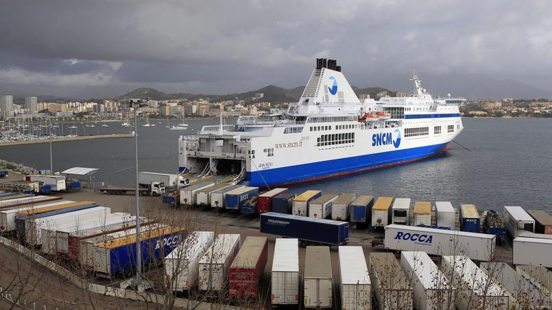Le «Jean Nicoli» lors de son blocage dans le port d'Ajaccio.