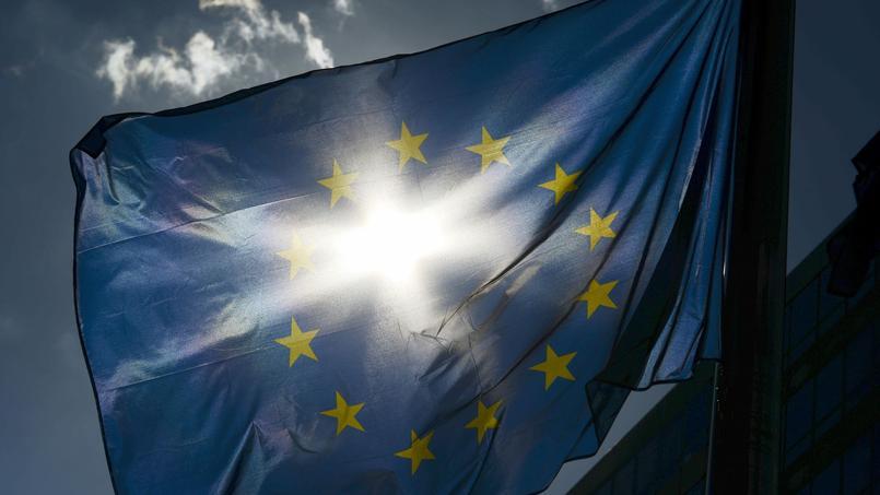La Commission enquête depuis juin 2013 sur les pratiques fiscales de certains pays européens à l'égard des entreprises.