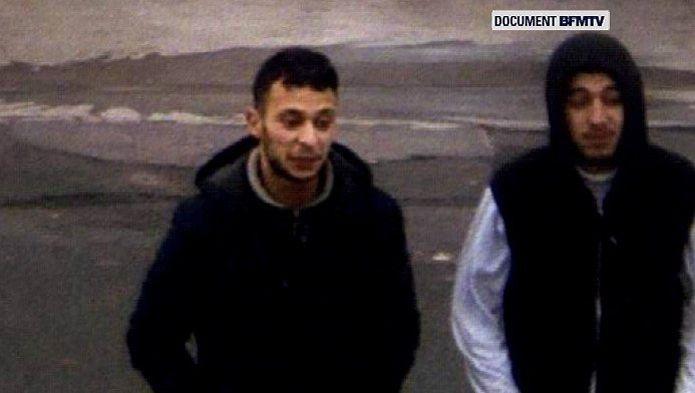 Sur ces images que s'est procuré BFMTV, prises le 14 novembre, on reconnaît l'un des organisateurs des attentats de Paris, Salah Abdeslam, ici à gauche.