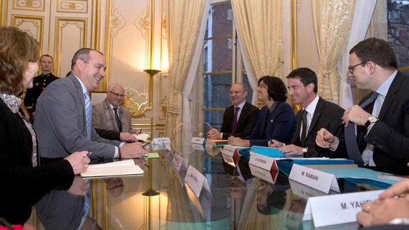 Les principaux leaders syndicaux et patronaux avaient rendez-vous ce lundi 11 janvier pour échanger avec le premier ministre, Manuel Valls, et la ministre du Travail, Myriam El Khomri.
