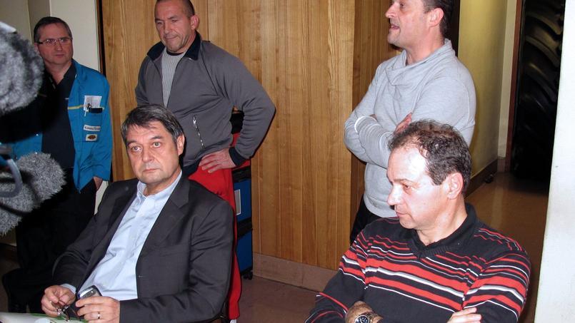 Bernard Glesser et Michel Dheilly, respectivement directeur des ressources humaines et directeur de la production, avaient été retenus un peu plus d'une journée, en janvier 2014.