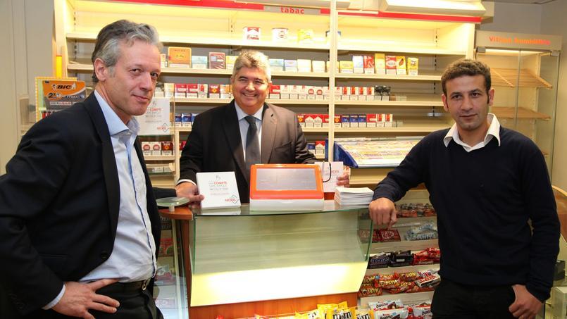 Hugues Le Bret (à gauche), cofondateur de Compte-Nickel, et son associé, Ryad Boulanouar (à droite), annoncent le recrutement de 50 collaborateurs pour 2016.
