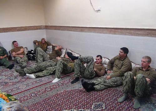 Les dix marins retenus brièvement sur l'ile de Farsi ont été libérés.