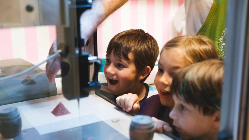 L'imprimante en 3D de Lutti émerveille les enfants.