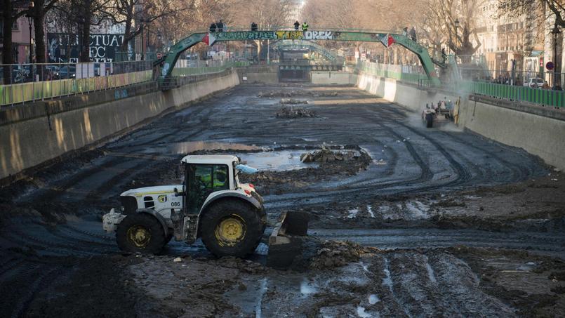 Le canal Saint-Martin, à Paris, vidé et nettoyé.