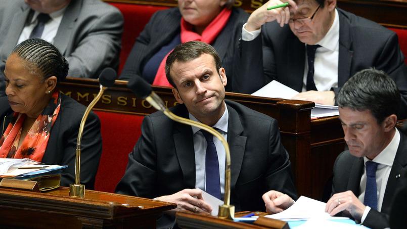 Emmanuel Macron privé de sa loi sur l'innovation numérique