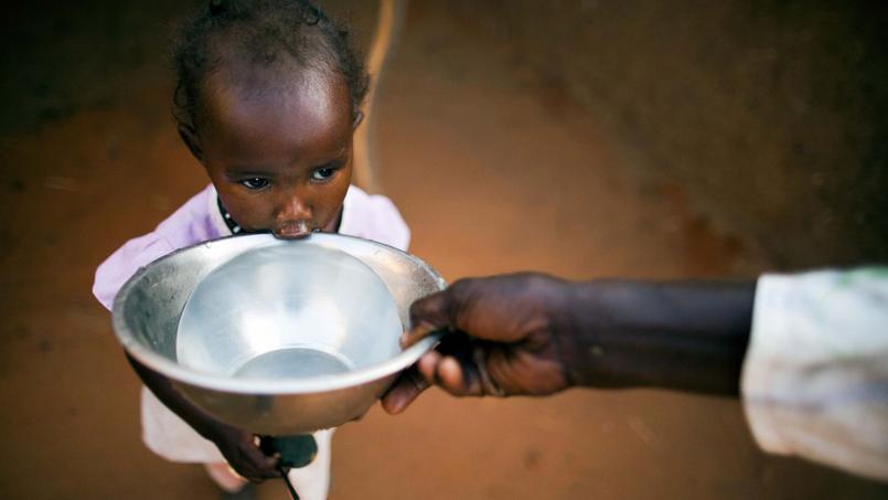 Encore aujourd'hui, 300millions d'Africains n'ont pas accès à l'eau potable (Crédit: Unamid, World water day, via Flickr sous licence Creative commons)