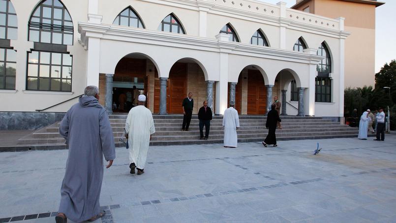 Depuis plusieurs mois, la mosquée de Fréjus est au cœur d'un conflit entre l'association qui la gère et la municipalité FN de la ville.