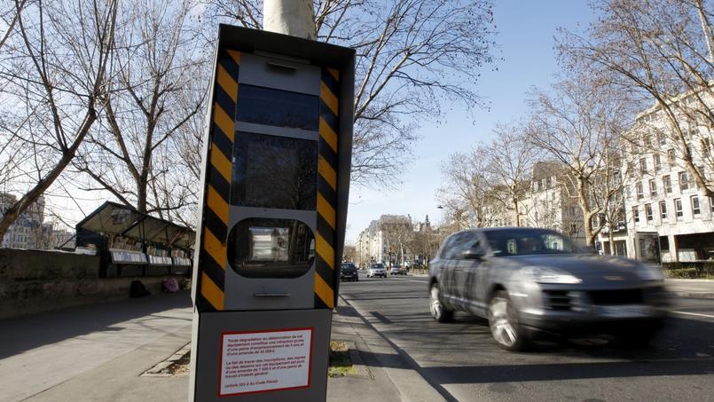 les radars automatiques disposés sur les bords des routes apportent 658 millions d'euros dans les caisses de l'État