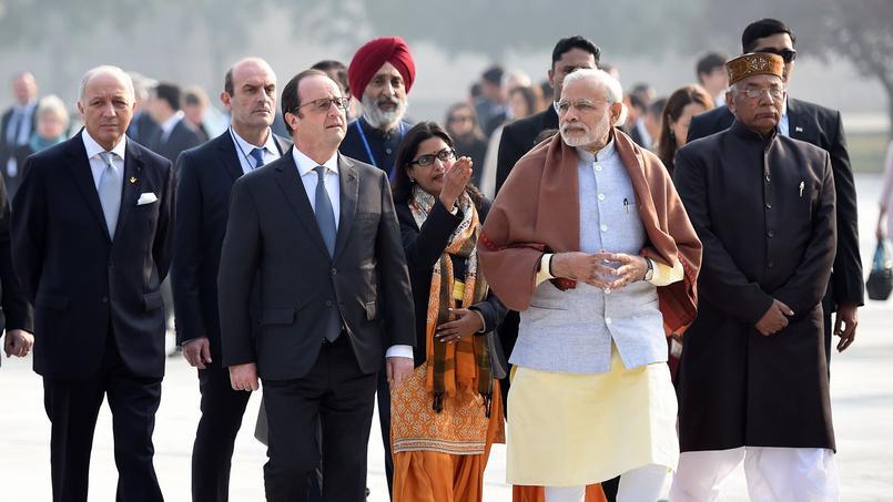 François Hollande et Narendra Modi, premier ministre indien (au centre), dimanche à Chandigarh.