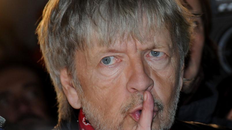 Renaud proclame qu'il «pète la forme» mais est apparu très affaibli le 7 janvier à Paris.