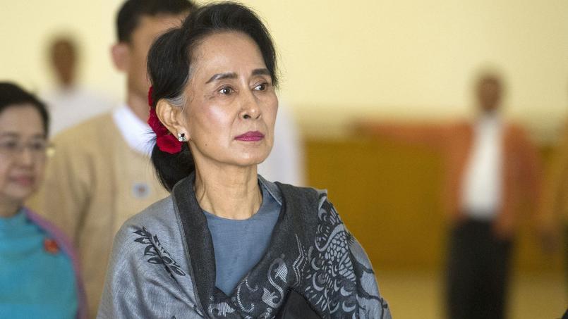 Aung San Suu Kyi, lors du dernier jour de réunion du Parlement birman sortant, jeudi.