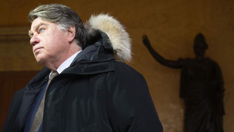 L'avocat Gilbert Collard a accepté de défendre la famille Rougemont dont le fils avait pointé un fusil vers des migrants.