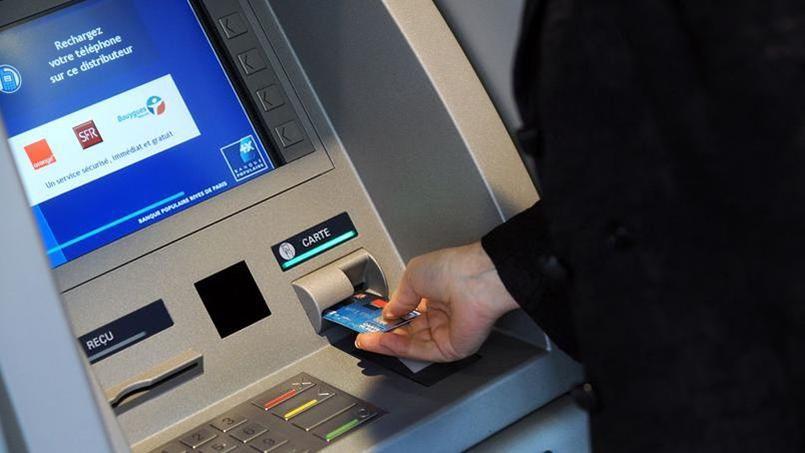 Bercy lance ce lundi un comparateur des frais bancaires de tous les établissements, via un site gratuit.