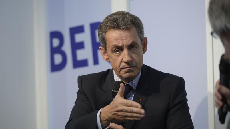 Nicolas Sarkozy se dit «favorable» à «un programme de privatisations et de cessions des participations que détient l'État dans un certain nombre d'entreprises, dont les recettes seront affectées à la réduction de la dette publique française».