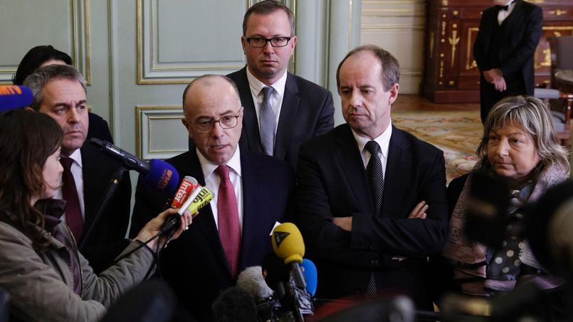 De gauche à droite: Xavier Bertrand, Bernard Cazeneuve, Jean-Jacques Urvoas, et Natacha Bouchart.