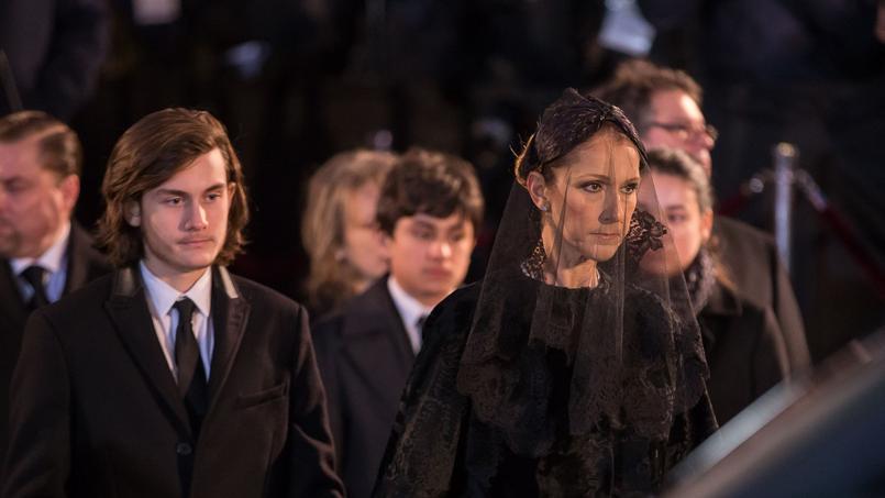 Céline Dion et son fils René-Charles aux obsèques de René Angélil, le 22 janvier 2016, à Montréal.